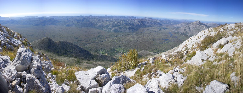Pogled sa Motke ka Popovom polju